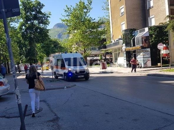 Линейка долетя в центъра на Враца заради човек в тежко
