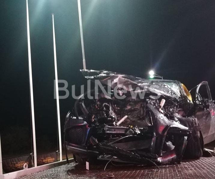 Тежка катастрофа е станала тази вечер на международния път Е-79
