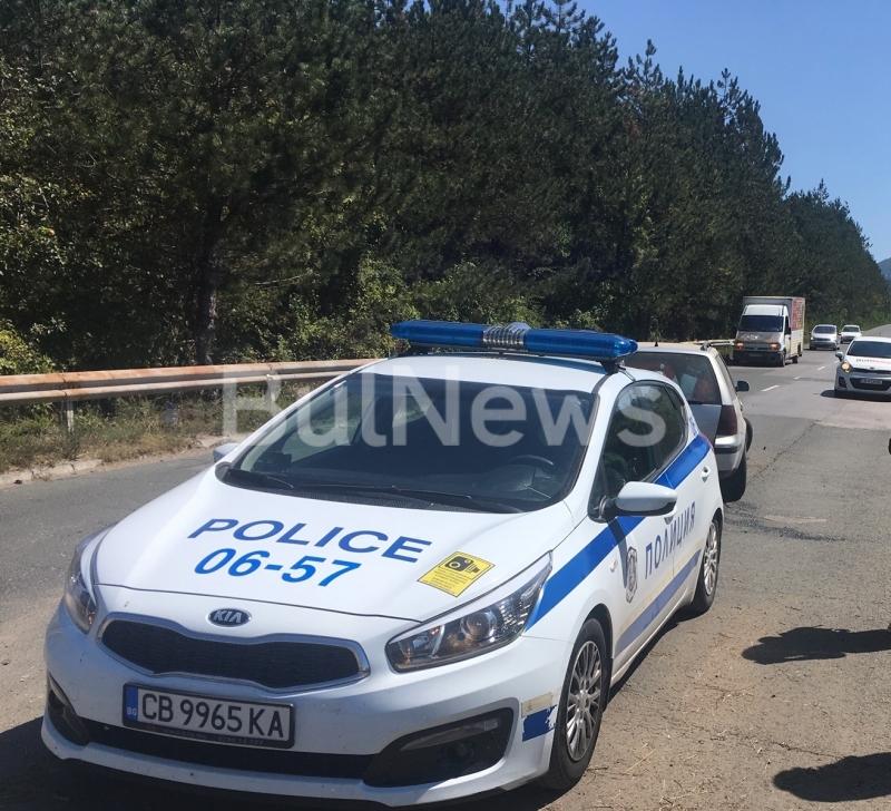 Пътен инцидент затапи международен път Е-79 между Враца и Монтана,