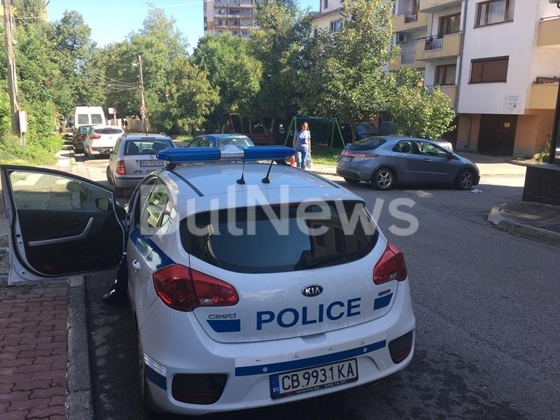 Кръв на пътя! Кола помете пешеходец във Враца /снимки/