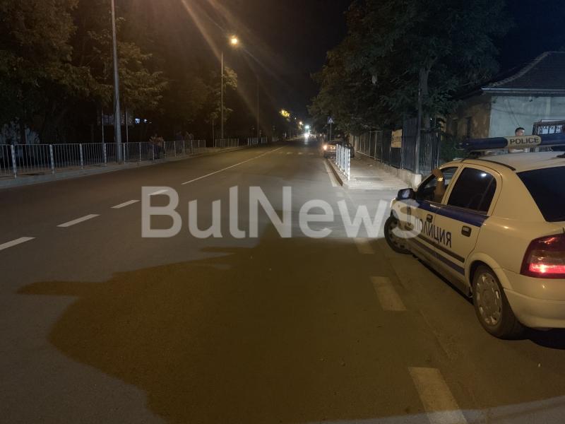 От последните минути! Млада шофьорка се размаза на централен булевард във Враца /снимки/