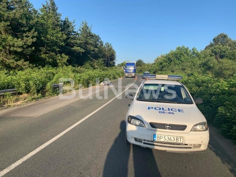 Тежка катастрофа затвори главния път Е-79 между Враца и Монтана,
