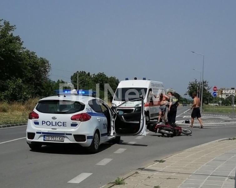 Тежка катастрофа с моторист е станала във Враца, видя първо