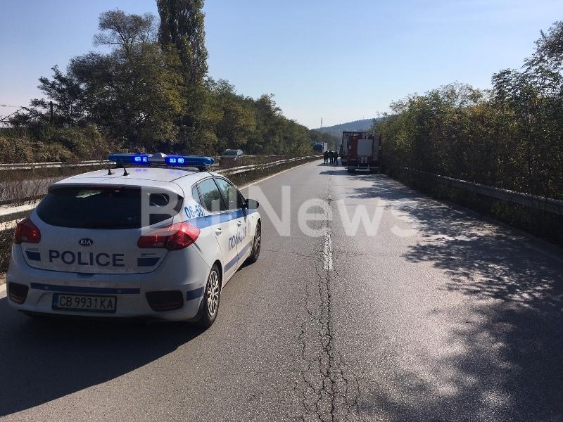 Тежка катастрофа е затворила международен път Е-79 между Враца и