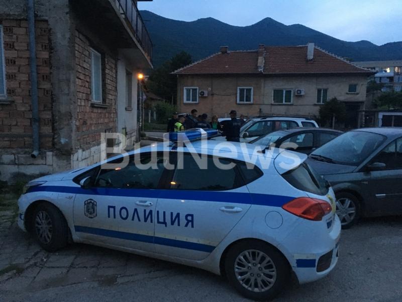 Двама дилъри на наркотици бяха заловени тази вечер във Враца,