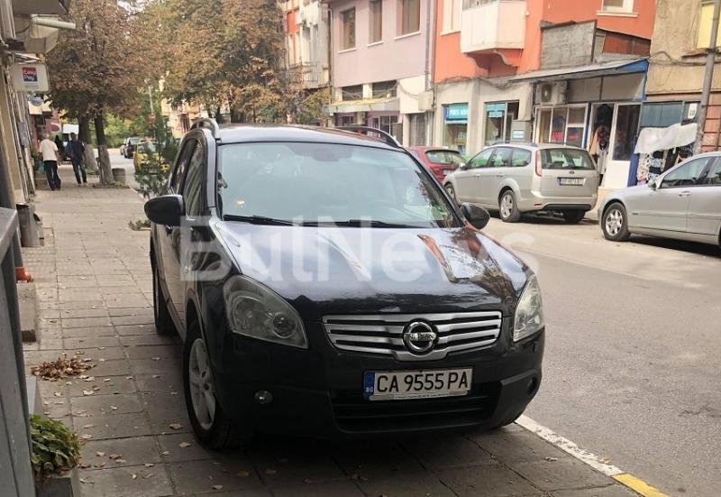 Пореден случай на безобразно паркиране потресе врачани вчера. Възмутен жител