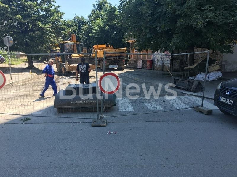 Разгеле! Преасфалтират съсипана от водния цикъл улица във Враца /снимки/
