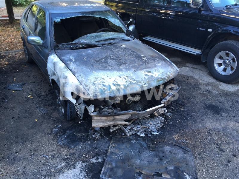 От последните минути: Запалената тази нощ кола във Враца е на свидетел срещу Стефан Културиста /снимки/