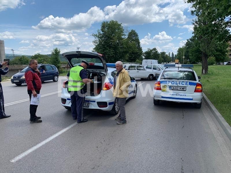 Лека катастрофа е станала на възлов булевард във Враца, видя
