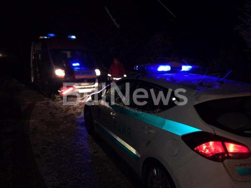 Мъж пострада при тежка катастрофа на главния път Е-79 между