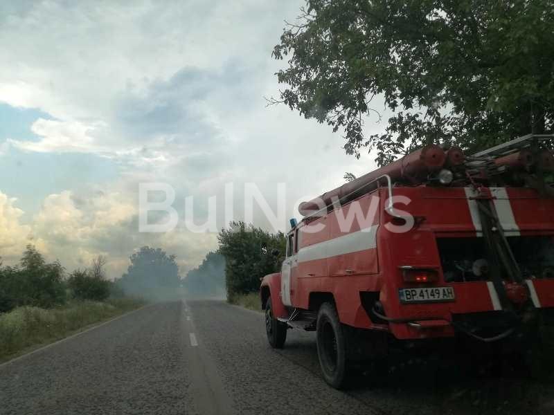 Снимка: Извънредно! Гори стърнище между Алтимир и Борован, карайте внимателно /снимки/